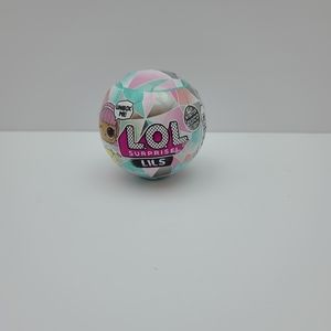1 ONE NEW Sealed Single Ball LOL Surprise Winter D